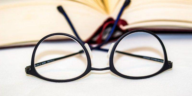 Mơ thấy mắt kính
