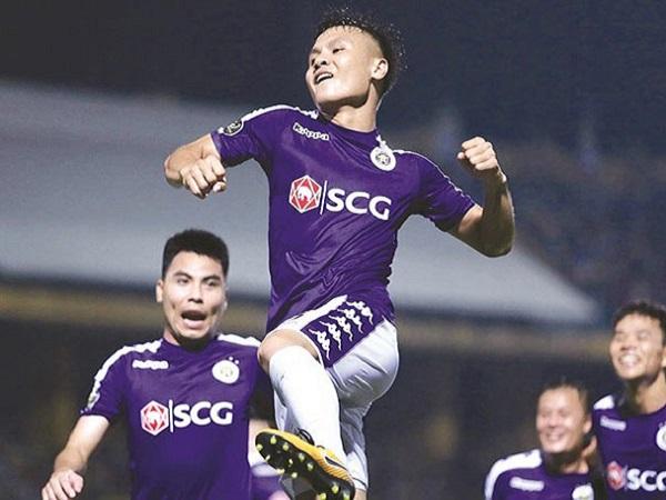 """Mải đóng quảng cáo, Quang Hải bị Ban lãnh đạo Hà Nội FC """"tuýt còi"""""""