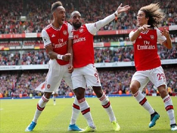 Sao Arsenal sớm nghĩ về Champions League