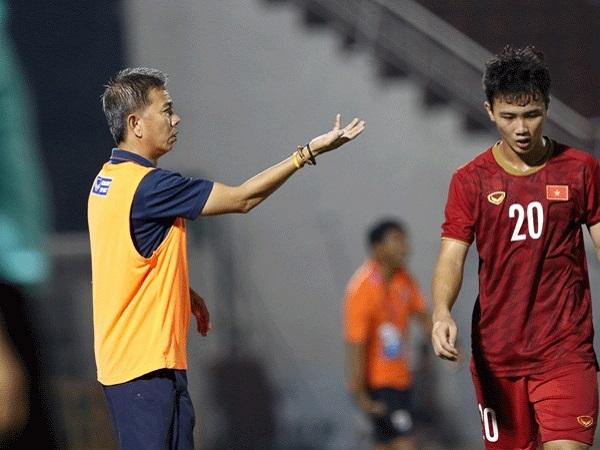 HLV Hoàng Anh Tuấn chưa hài lòng về khả năng tận dụng cơ hội
