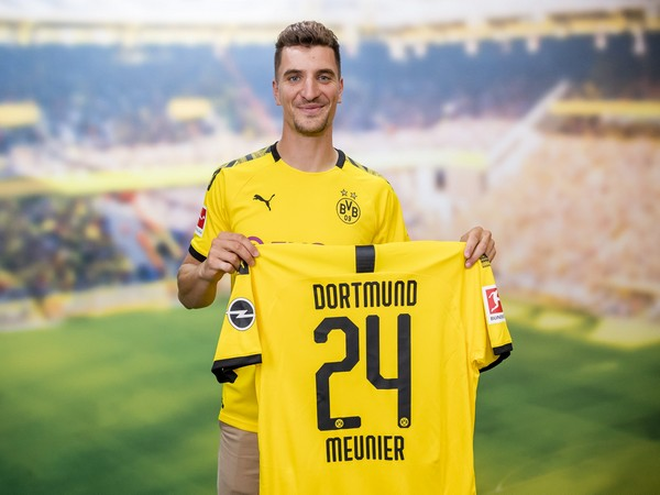 Tin bóng đá MU 27/6: Để vụt Thomas Meunier vào tay Dortmund